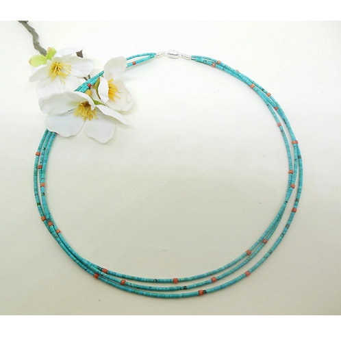 Halskette mit Türkisen und Koralle