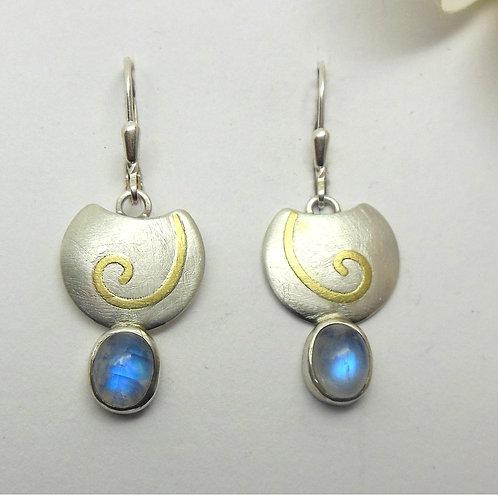 Ohrhänger mit Mondsteinen = Mondspirale
