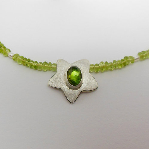 Halsschmuck mit Peridot, Halskette mit grünem Stein