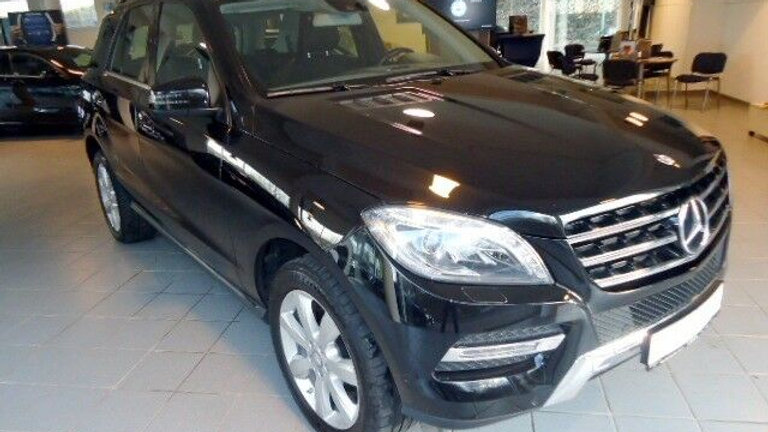 Mercedes-Benz ML 250 BT 4M LED+AHK+Navi+PDC