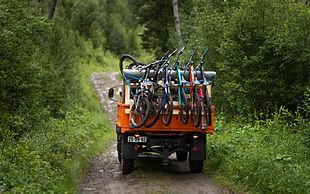 Sykkelshuttle med unimog i Hillbilly Bike Park, All Adventure.jpg