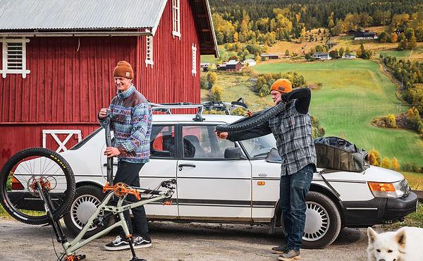 2020-09-21_Makken_på_stisykkel_i_Hallin