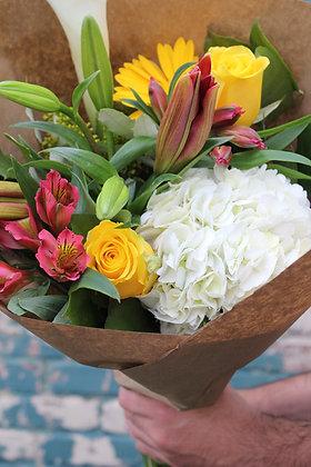 Bouquet de fleurs mélangées (thème de couleurs)