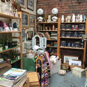 Vintage, collectables & crafts