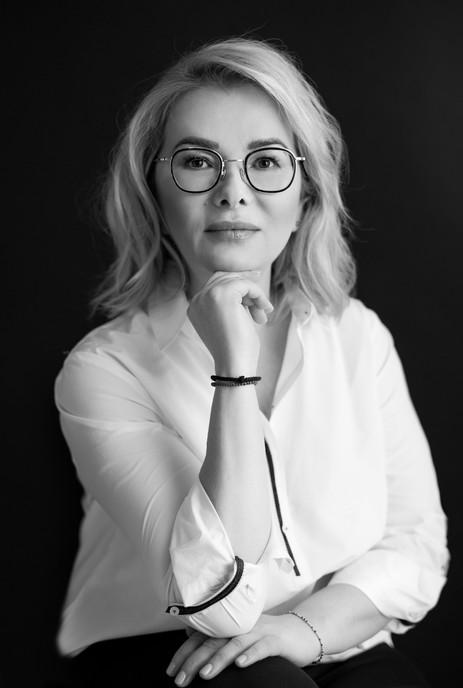 Wizerunkowa sesja zdjęciowa w Warszawie, zdjęcia dla firm, marka osobista, budowanie marki osobistej, wizerunek