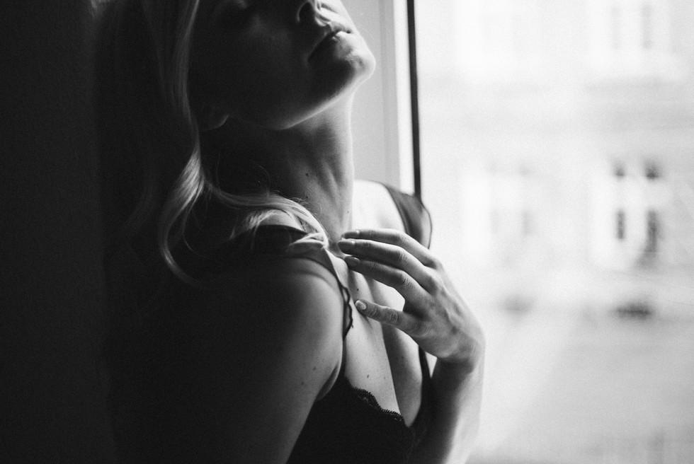 Fotografia kobiet – sesja sensualna, portretowa, a może modowa