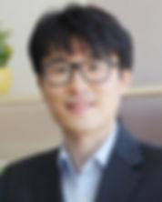 송명욱변호사.jpg