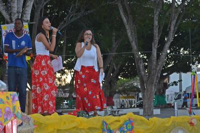 Ciranda Flores do Sertão. Amanda Santiago e profa Ana Lídia.