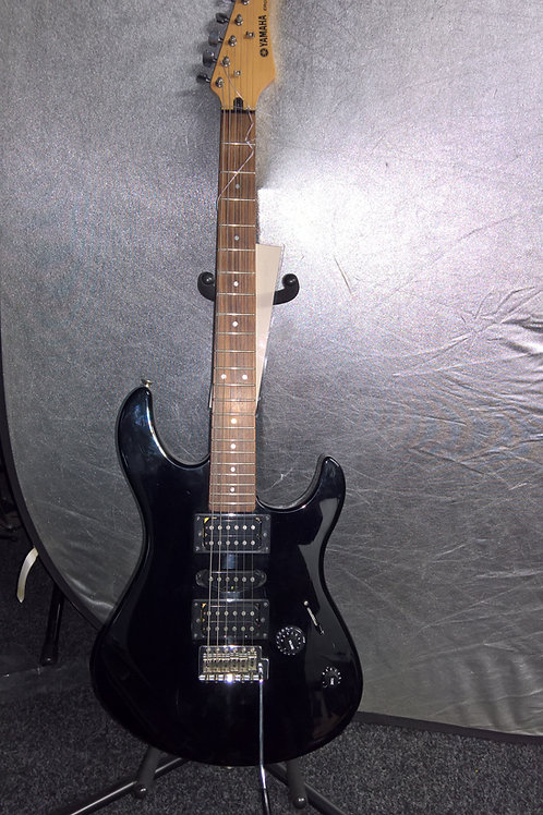 Black ERG121 Yamaha Electric Guitar