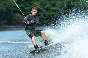 ski nautique Wake.jpg