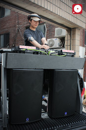 DJ CAR image 2