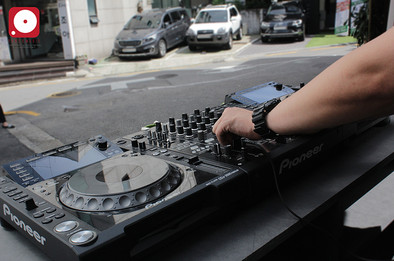 DJ CAR image 3