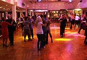 Tänzer auf der Sonntags-Tanzparty