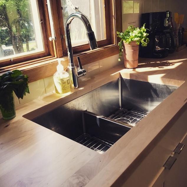 Maple Long Grain Countertop with Sink.jp