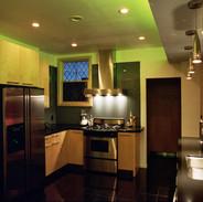 8-kitchen2.JPG