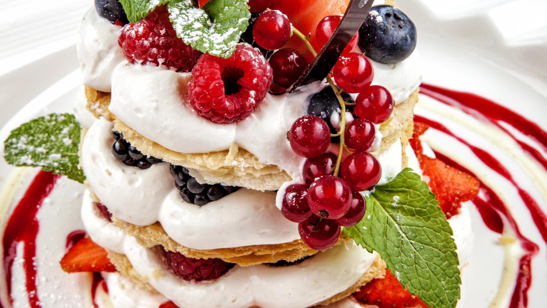 Beautiful cake with fresh berry.jpg