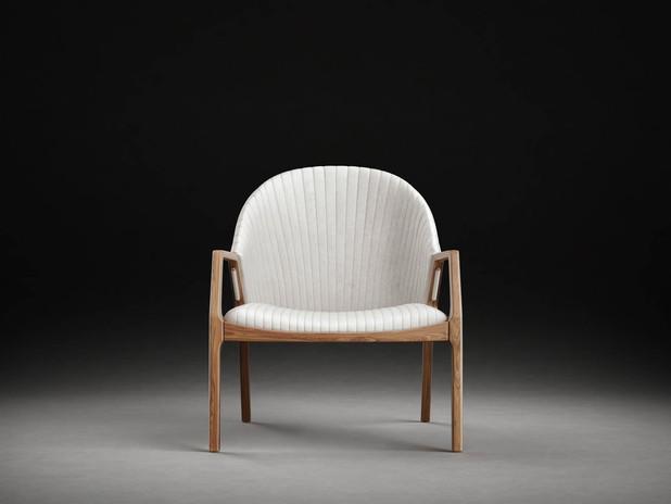 Elegant Chair 2 MediaLab ProductViz.jpg