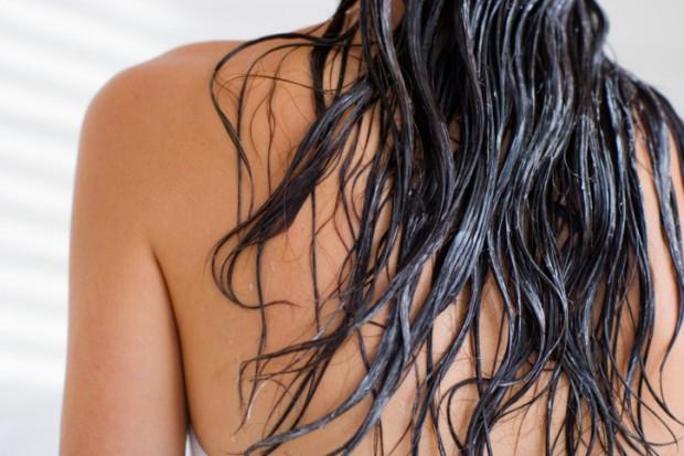 Conditioning-Hair-Washing-Hair-620x413.jpg