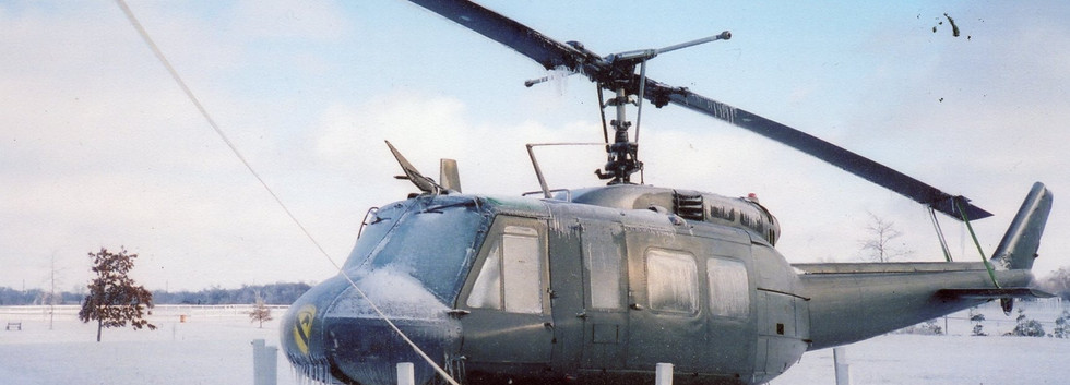 US-UH-1H Huey Helicopter.jpg