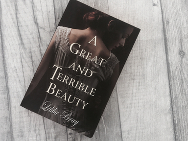 REVIEW: A Great And Terrible Beauty by Libba Bray