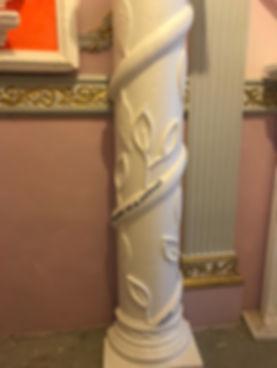Columna decorada de poliestireno