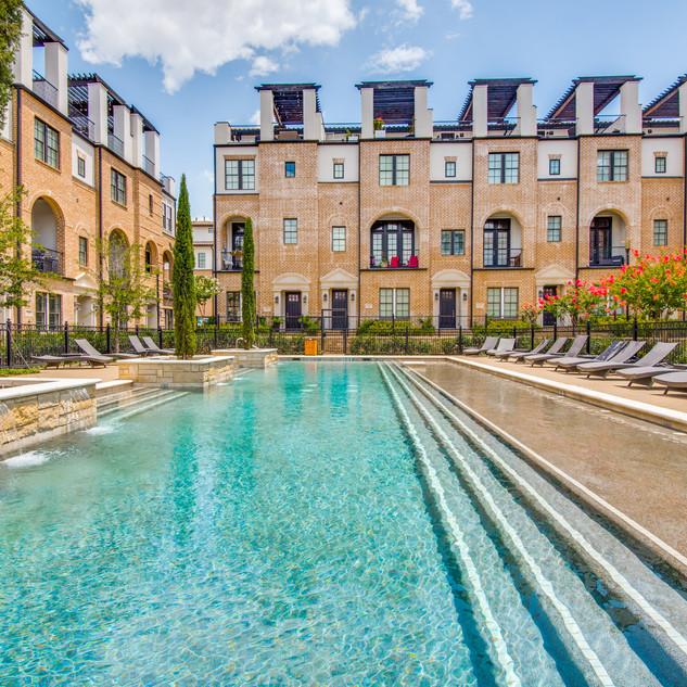 Verona Pool 2.jpg