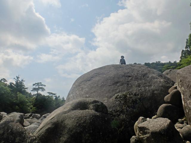 屋久島小杉谷の河原で休憩