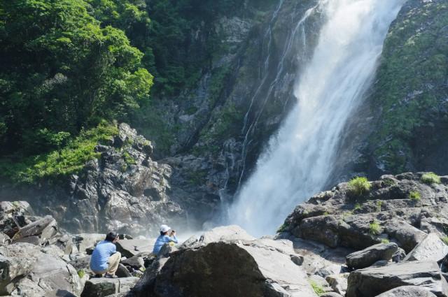 屋久島大川の滝でマイナスイオン