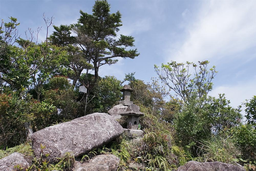 屋久島岳参り前岳の祠