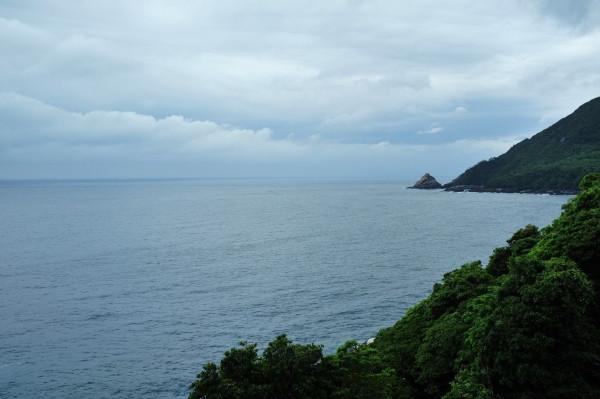屋久島世界遺産を歩く西部林道ガイドツアー風景