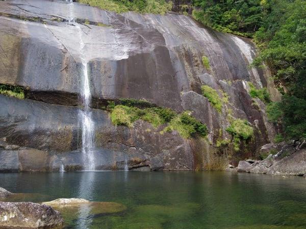 屋久島蛇の口の滝トレッキングツアー