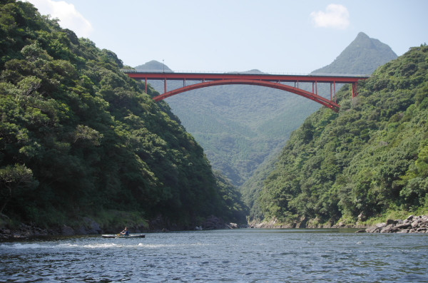 屋久島松峰大橋とV字谷