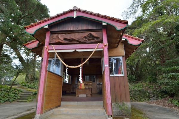 屋久島船行神社拝殿