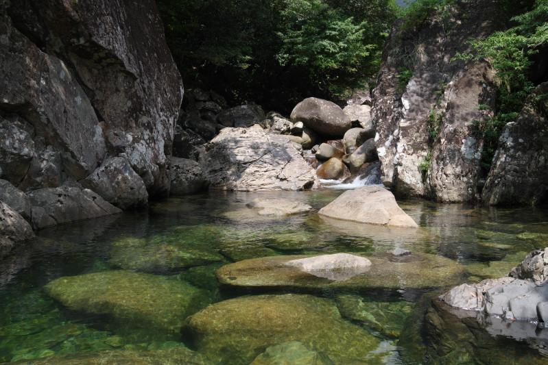 屋久島鈴川の滝沢登りツアー