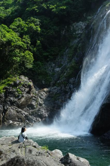 屋久島の里地の観光大川の滝