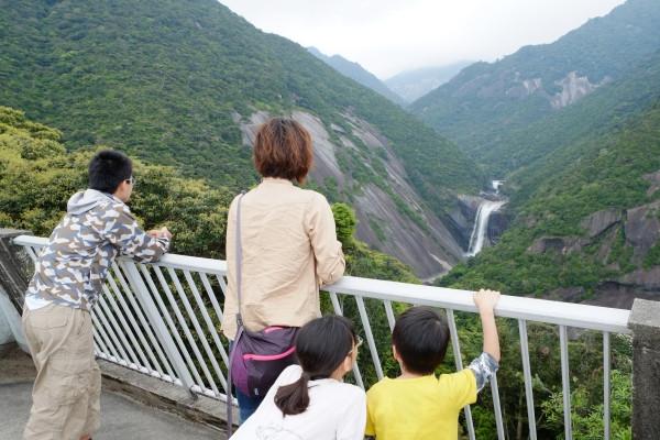 屋久島千尋の滝観光ツアー