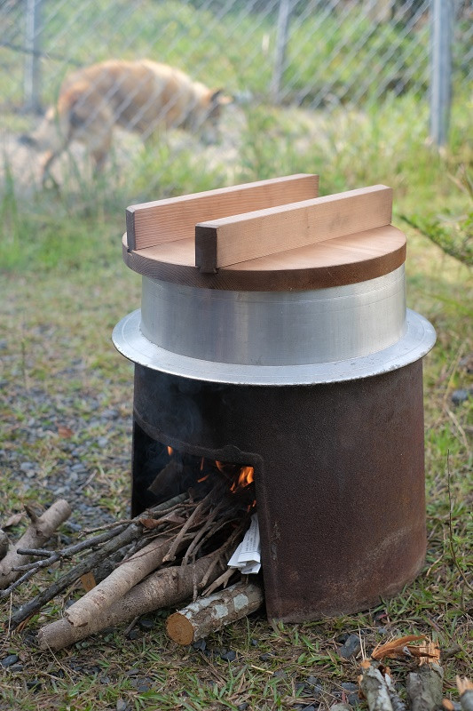 屋久島あくまき作り3時間ほど煮込む
