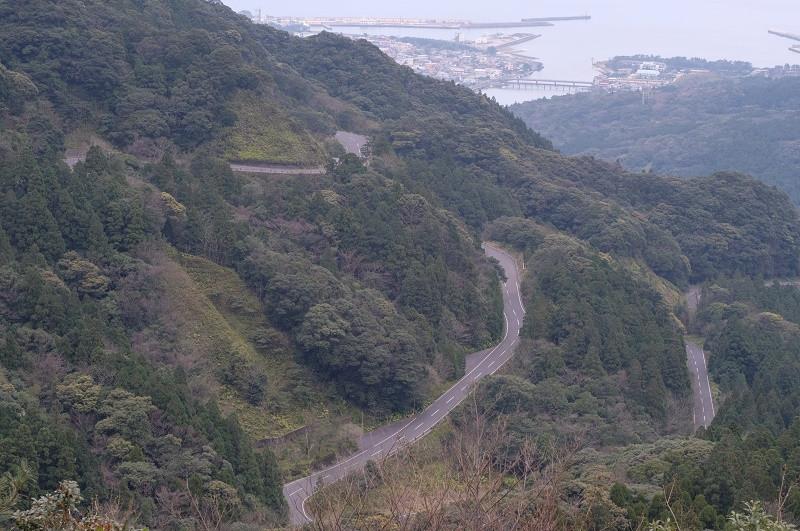 白谷雲水峡までの道路