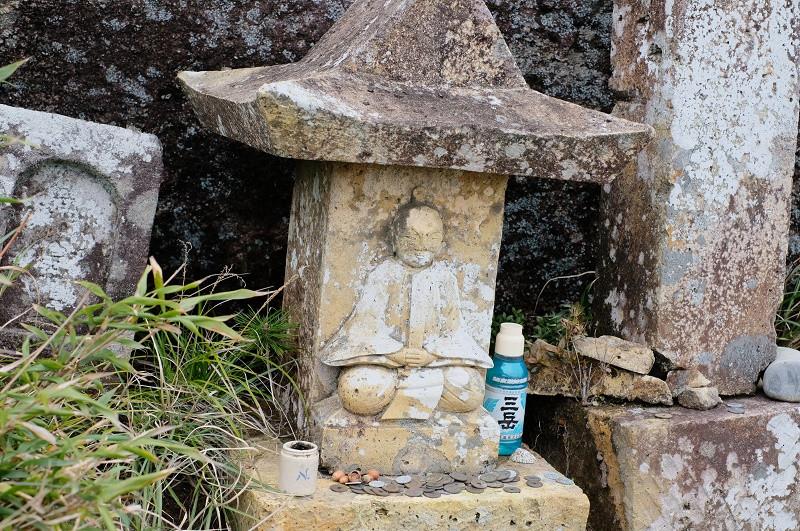 屋久島モッチョム岳の祠