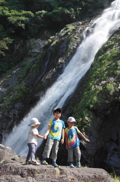 屋久島観光名所大川の滝