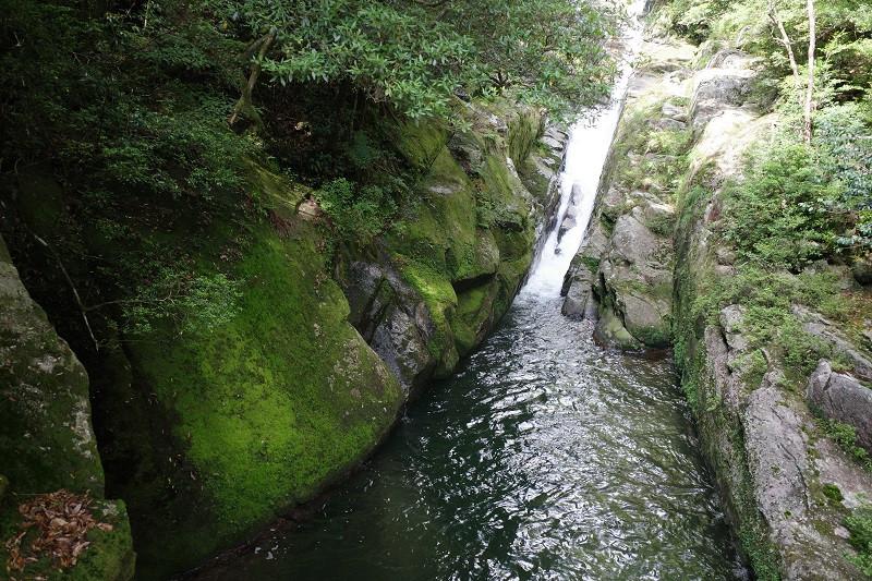 白谷雲水峡飛流落としの滝