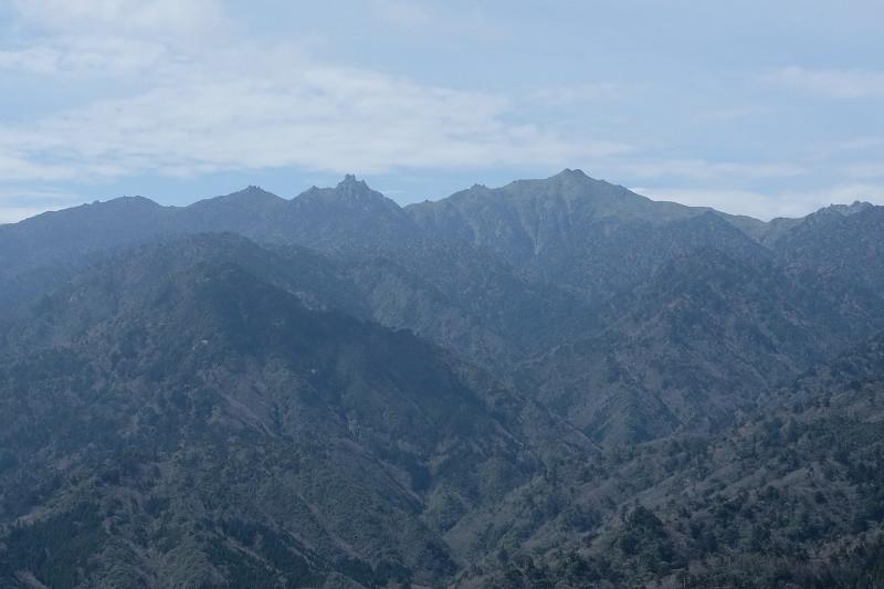 太鼓岩より宮之浦岳を望む