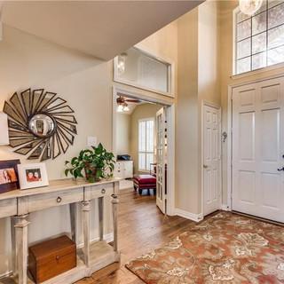 Foyer926.jpg