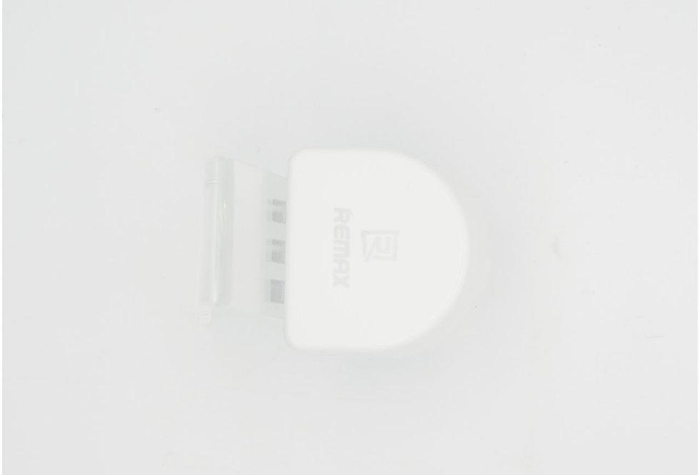 Сетевой адаптер 3 USB 3A Remax