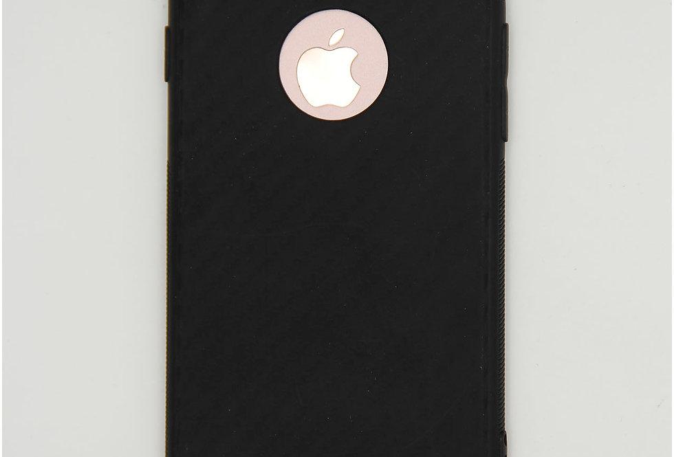 Чехол для iPhone 7/8 силикон карбон с вырезом под яблоко