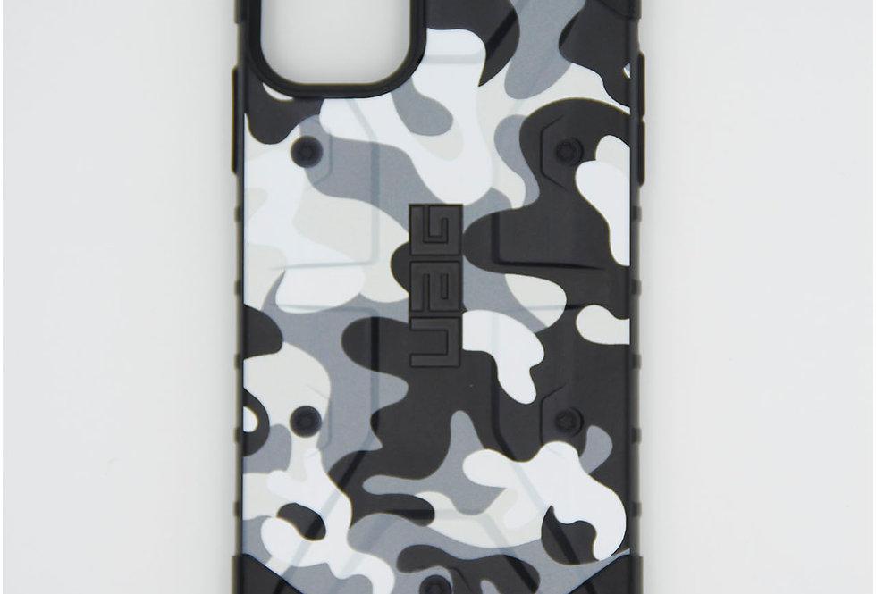 Противоударный чехол на iPhone 11 UAG