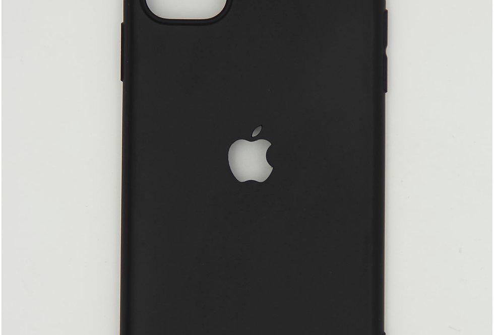 Чехол для iPhone 11 черный матовый с вырезом под яблоко с заглушкой