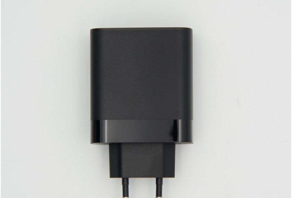 Сетевое зарядное устройство Quick Charge 30W 6A 4 USB Baseus