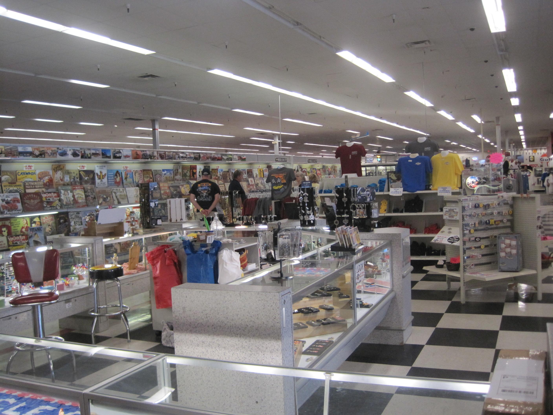 8-Shopping area