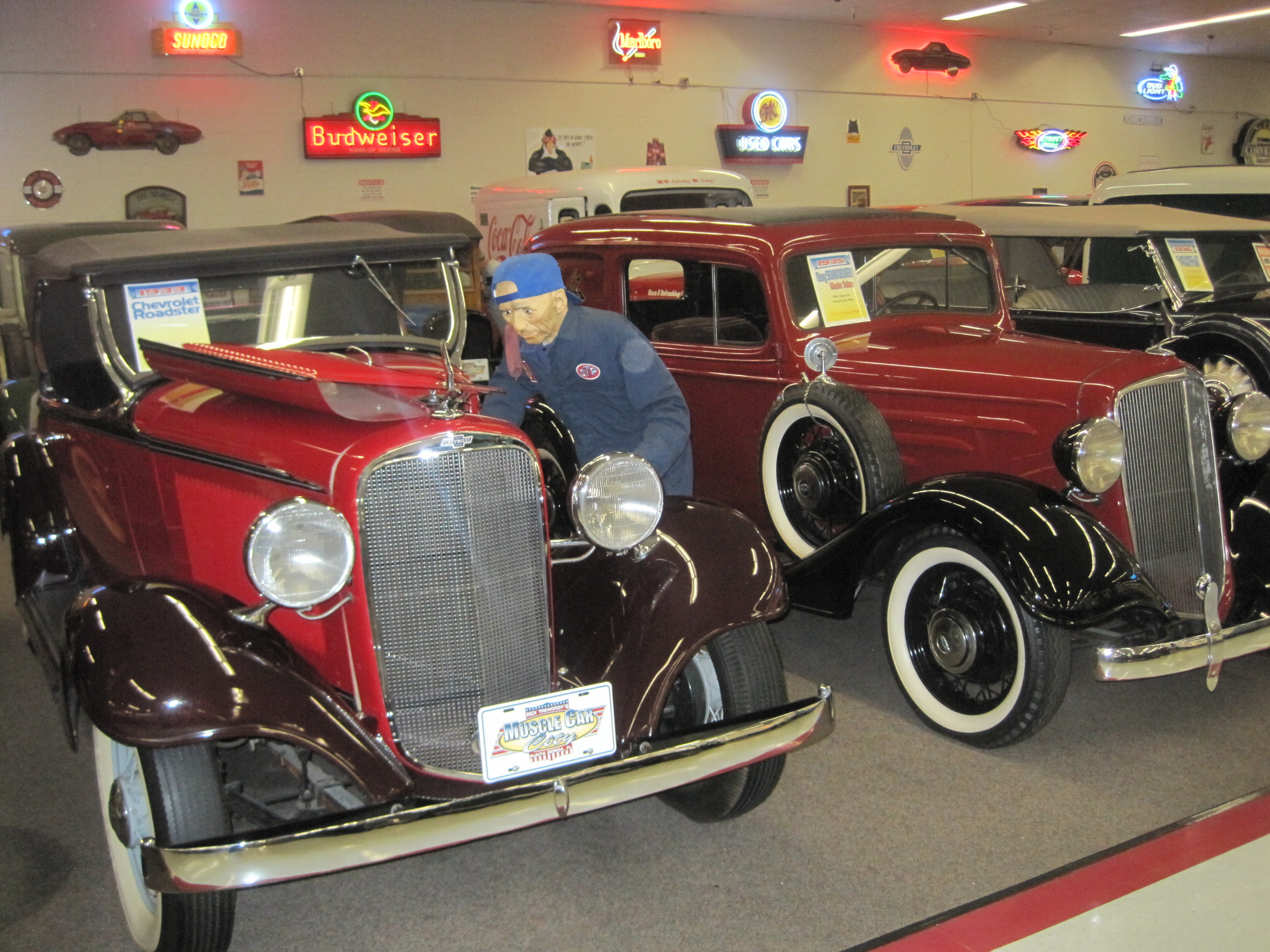 71-Lots of old cars